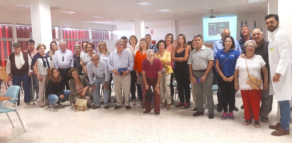 Una de las sesiones formativas organizadas por la Unidad de Parkinson y Trastornos del Movimiento y destinadas a pacientes y familiares.