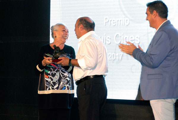 Premio Luis Ciges a Cristina Hoyos