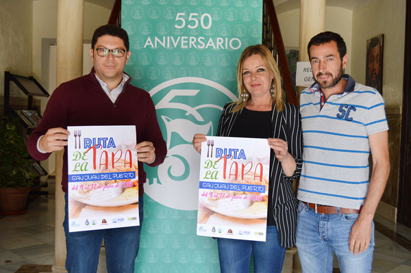 El cartel de la II Ruta de la Tapa de San Juan del Puerto ha sido presentado esta mañana.