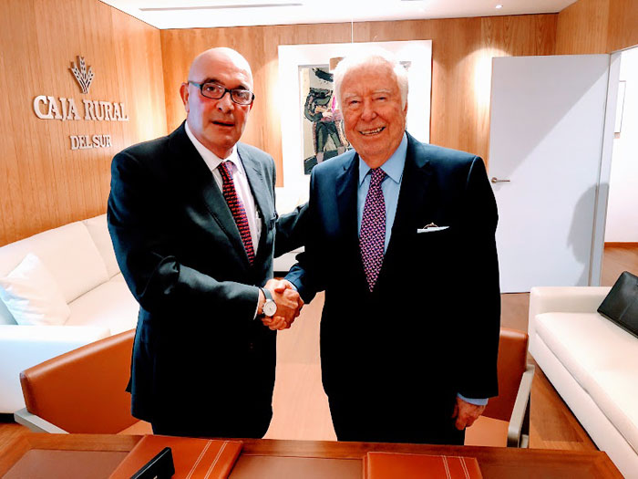 Los presidentes de Fundación Caja Rural del Sur y de Cooperativas Agroalimentarias de Andalucía durante la renovación del acuerdo.