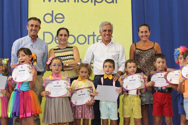 Representantes del Ayuntamiento de Moguer y Fundación Cepsa.