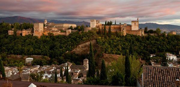 Imagen de la Alhambra de Granada, uno de los monumentos más visitados en España.