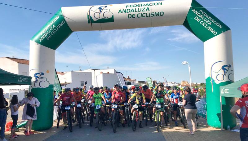 439cfc8f22 Isabel Borrero y Manuel Palanco logran el triunfo en la XV Ruta BTT El  Almendro