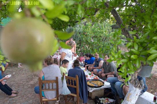 Degustación de verduras en el Huerto de la Librada