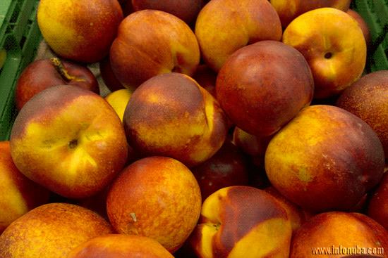 Imagen de Nectarinas en supermercado onubense