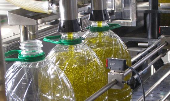 Imagen del envasado del aceite en nuestra provincia.