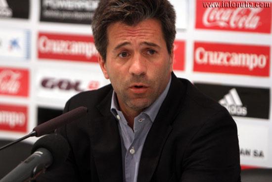 José Domínguez en rueda de prensa.
