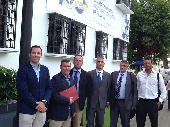 Integrantes de la misión comercial en Panamá.