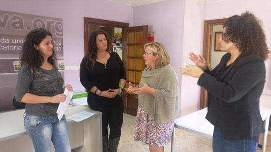 Monica Rossi con la Asociación de Personas Sordas de Huelva.