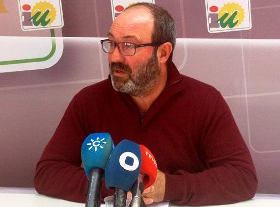 Pedro Jiménez realizando declaraciones.