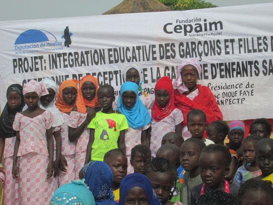 Imagen del proyecto de Integración educativa de los niños y niñas en la aldea de Bamako de Senegal.