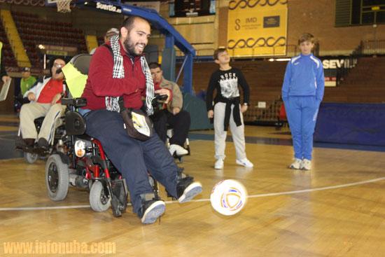 Imagen de una persona discapacitada en un encuentro en Sevilla.