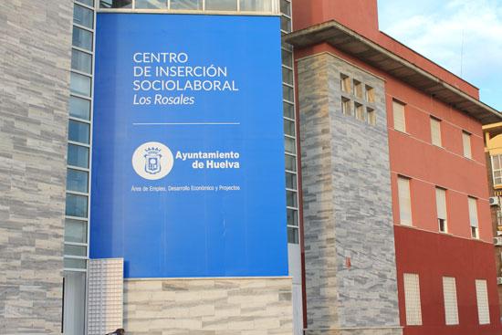 Imagen de la fachada del Centro de Los Rosales.