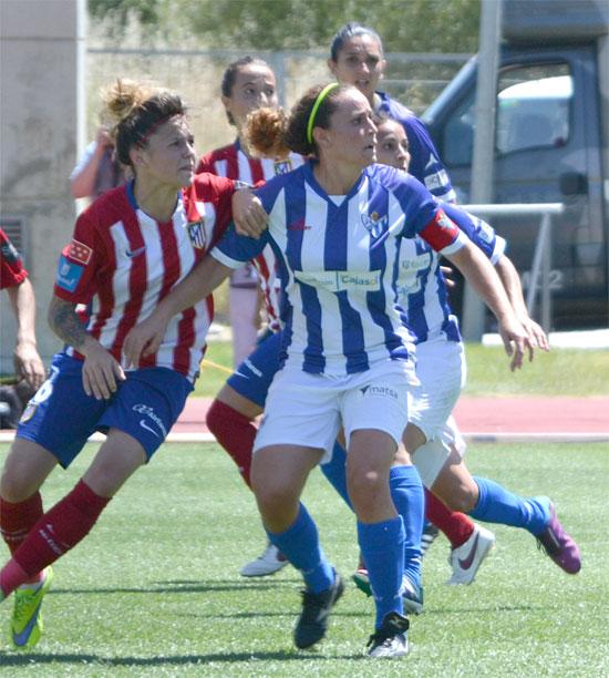 Patricia Gavira junto a una jugadora atlética.