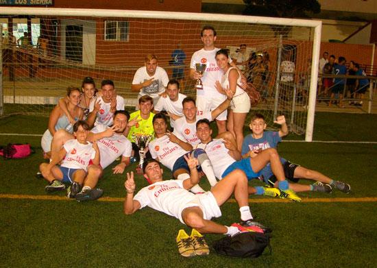 """Imagen de """"Los Duques"""", equipo ganador del torneo."""