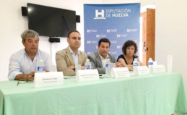 El encuentro ha sido inaugurado por diputado de Agricultura y Ezequiel Ruiz, el delegado provincial de Agricultura, Pedro Pascual Hernández, que han estado acompañado por el presidente de Ovipor, Agustín González y la responsable de I+D+i de EA Group, Beatriz Agudo Freije.