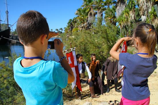 Los chicos, durante el taller de fotografía.