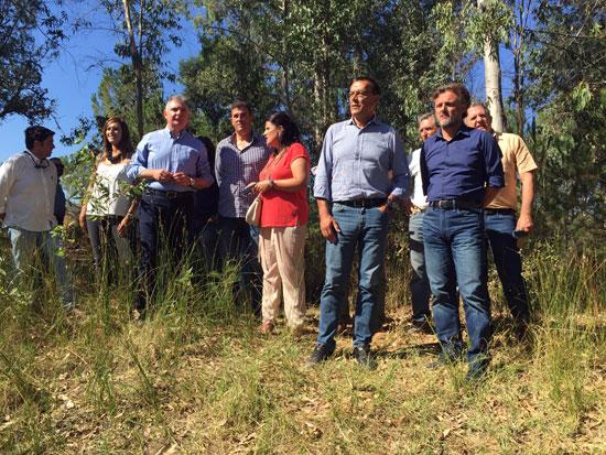 Imagen de la visita de los diferentes representantes institucionales a Doñana.