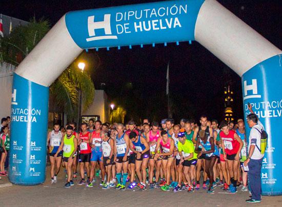 Imagen de los corredores en la salida de la carrera.