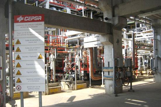 Instalaciones de CEPSA en Huelva.