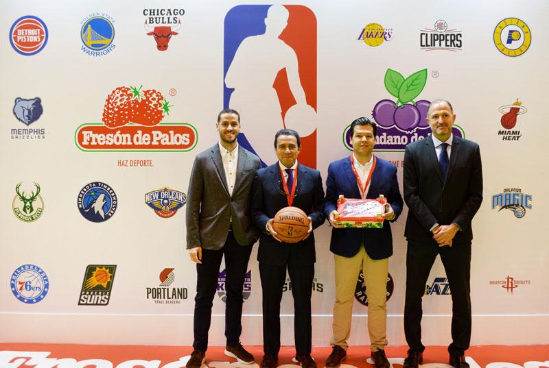 (De izquierda a derecha); Marc Masagué, Antonio Oliveira, Jaime Zaforas y Chus Bueno, en la presentación de la campaña.